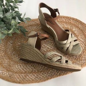 Lucky Brand Womens Wedge Sandals Tan Size 7.5